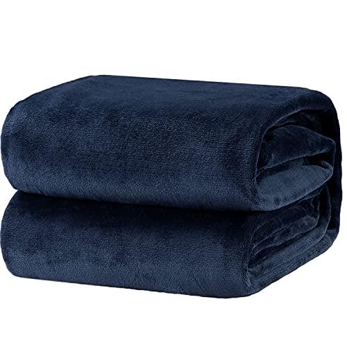Bedsure Mantas para Sofás de Franela 150x200 cm - Manta para Cama 90 Reversible de 100% Microfibre Extra Suave - Manta Azul Marino Transpirable