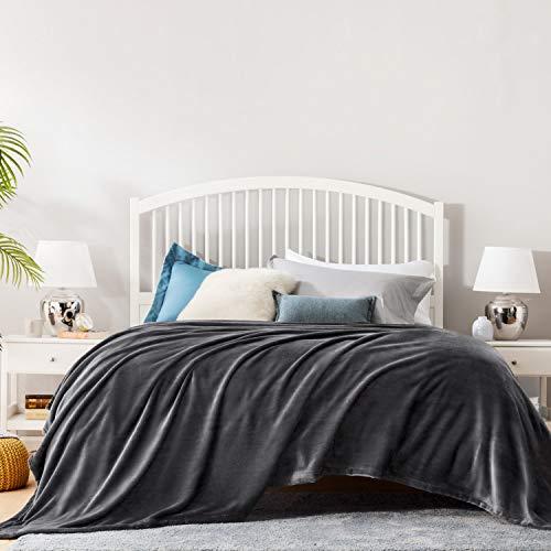 Bedsure Mantas para Sofás de Franela 270x230 cm - Mantas para Cama de 180 Reversible de 100% Microfibre Extra Suave - Manta Invierno Negra Antracita Transpirable
