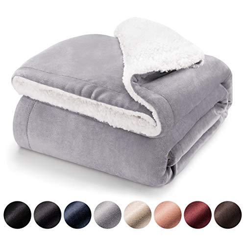 Blumtal Mantas para Sofá Reversible de Sherpa y Franela Suave - Manta Polar 100% Microfibra Extra Suave, Manta de sofá, de Cama o de Sala de Estar, Gris, 150 x 200 cm