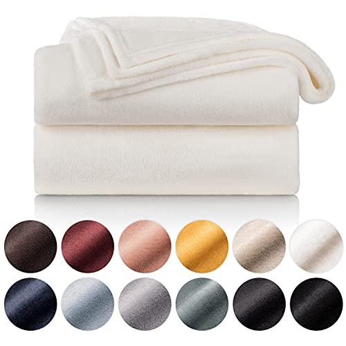 Blumtal Mantas para Sofá de Franela Suave y Acolchada - Manta Polar 100% Microfibra Extra Suave, Manta de sofá, de Cama o de Sala de Estar, Blanco, 130 x 150 cm