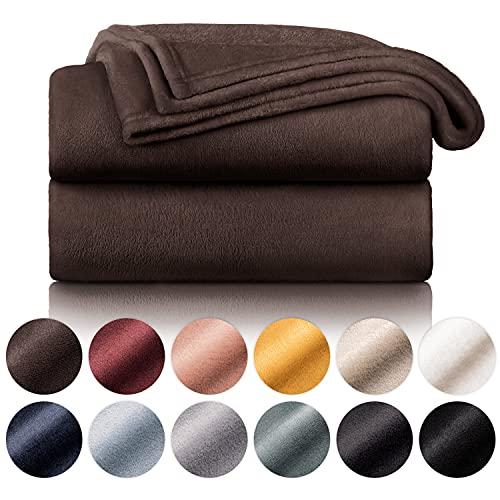 Blumtal Mantas para Sofá de Franela Suave y Acolchada - Manta Polar 100% Microfibra Extra Suave, Manta de sofá, de Cama o de Sala de Estar, Marrón Oscuro, 130 x 150 cm