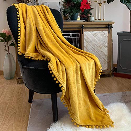 TEALP Manta de Franela con Manta de Siesta con Pompones, edredón Acogedor, Manta Suave para sofá Cama, Apto para Todas Las Estaciones (Amarillo Mostaza, 150 x 200 cm)